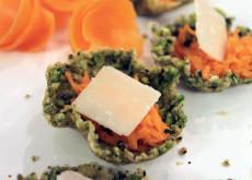 Ciotoline di parmigiano e pistacchi